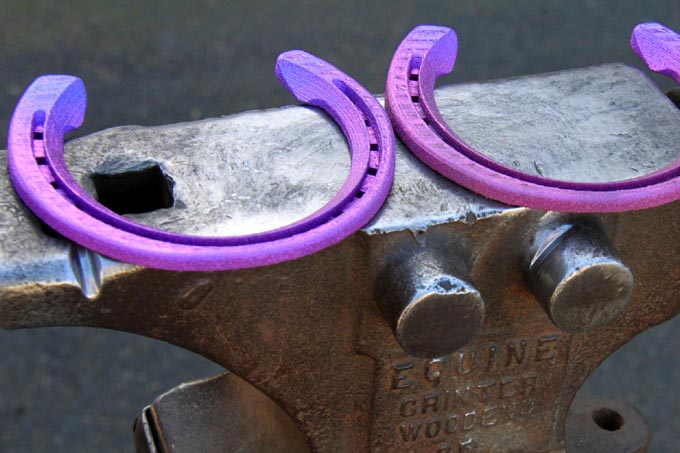titanium-horse-kon-kopyta-podkowa-druk-3d-2